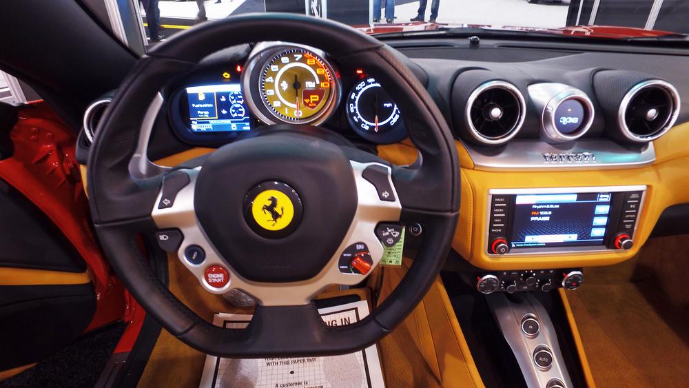 1 Ferrari California T (2).jpg