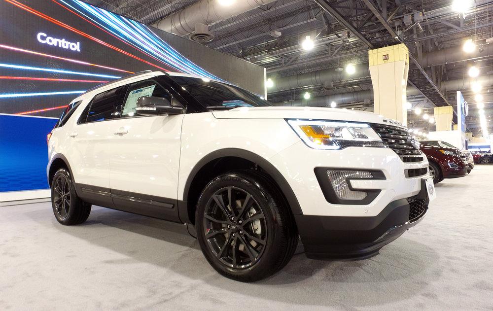 1 Ford Explorer (1).jpg