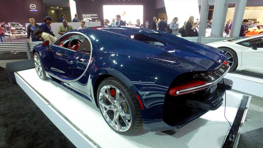 1 Bugatti Chiron (1).jpg