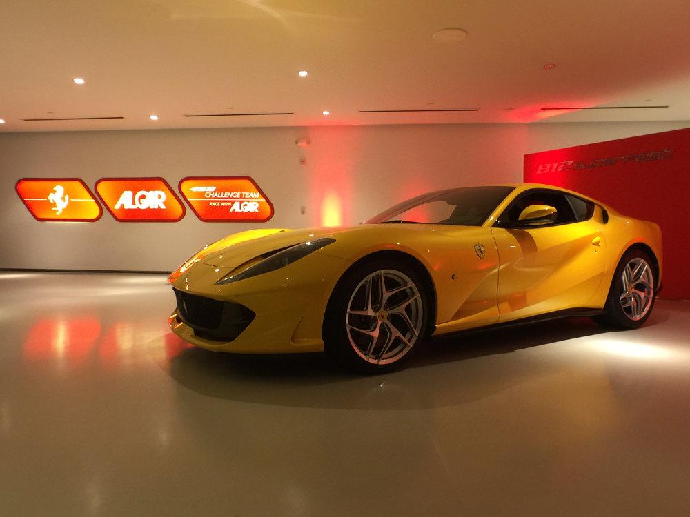 Ferrari 812 Superfast (3).jpg