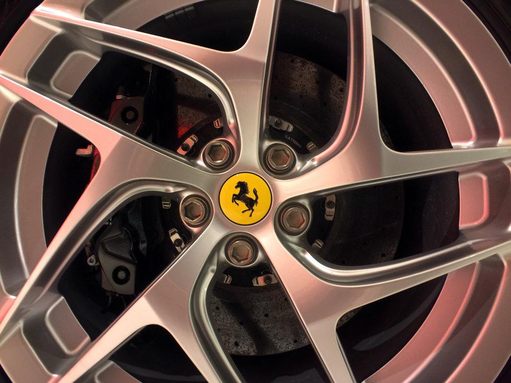 Ferrari 812 Superfast (6).jpg