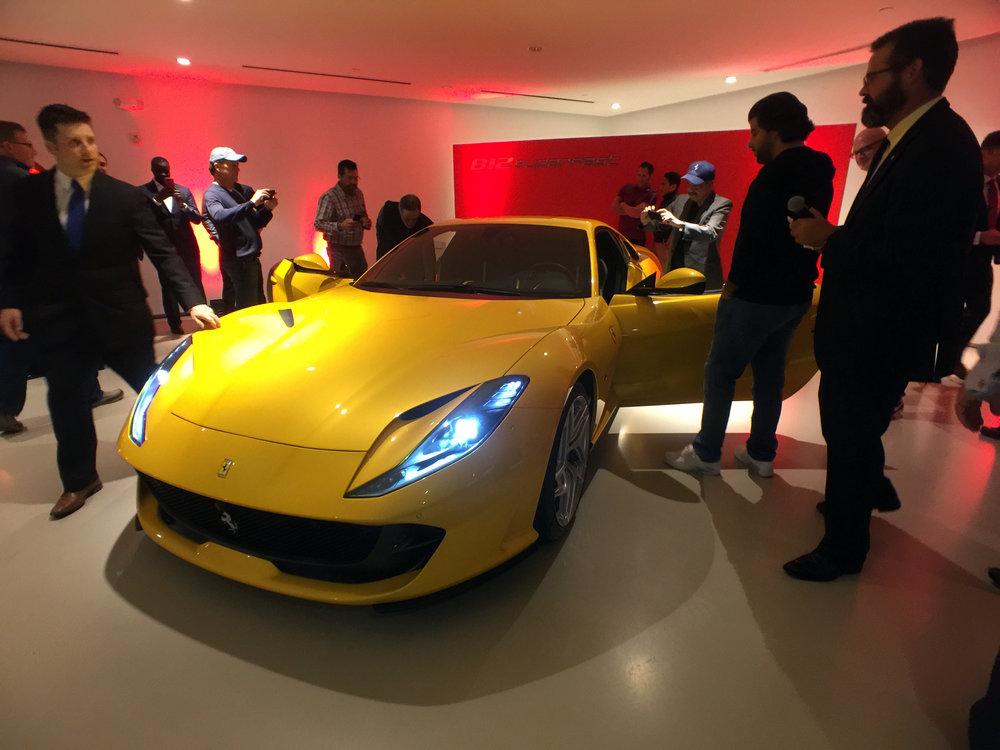 Ferrari 812 Superfast (8).jpg