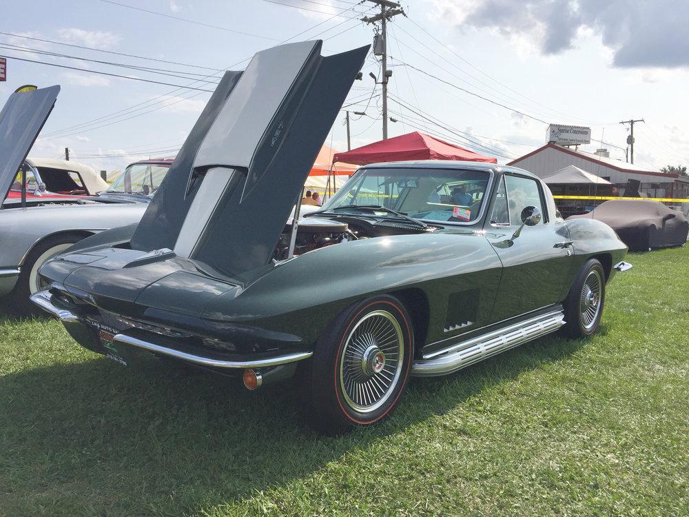 1 67 Corvette (1).jpg