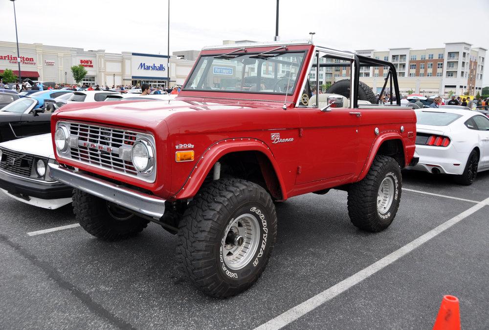 1 Ford Bronco.jpg
