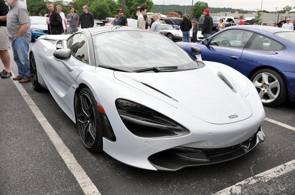 1 McLaren 720S.jpg
