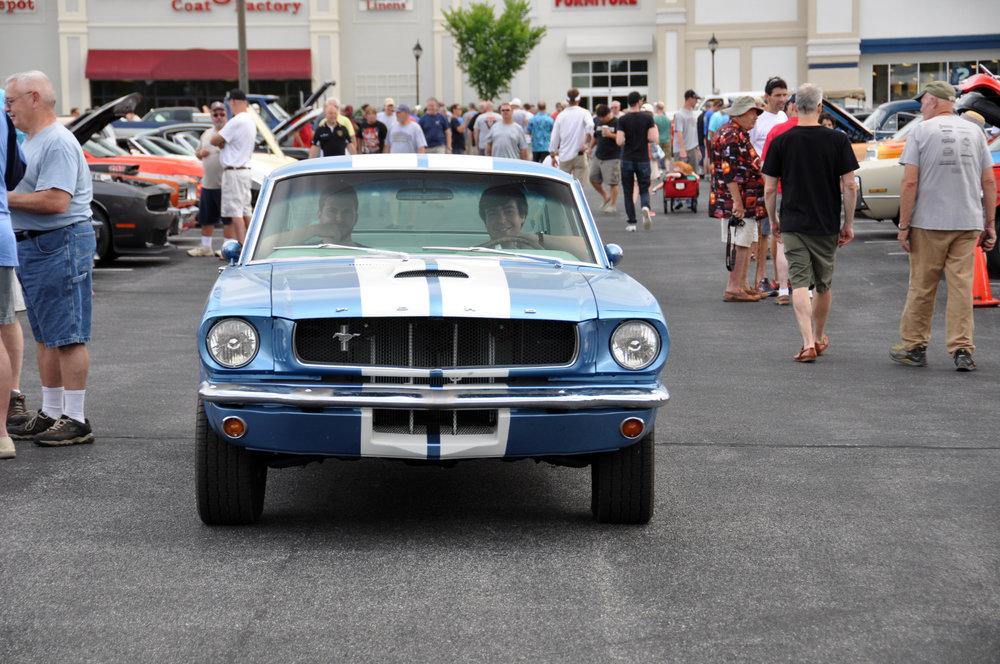 1 Ford Mustang.jpg