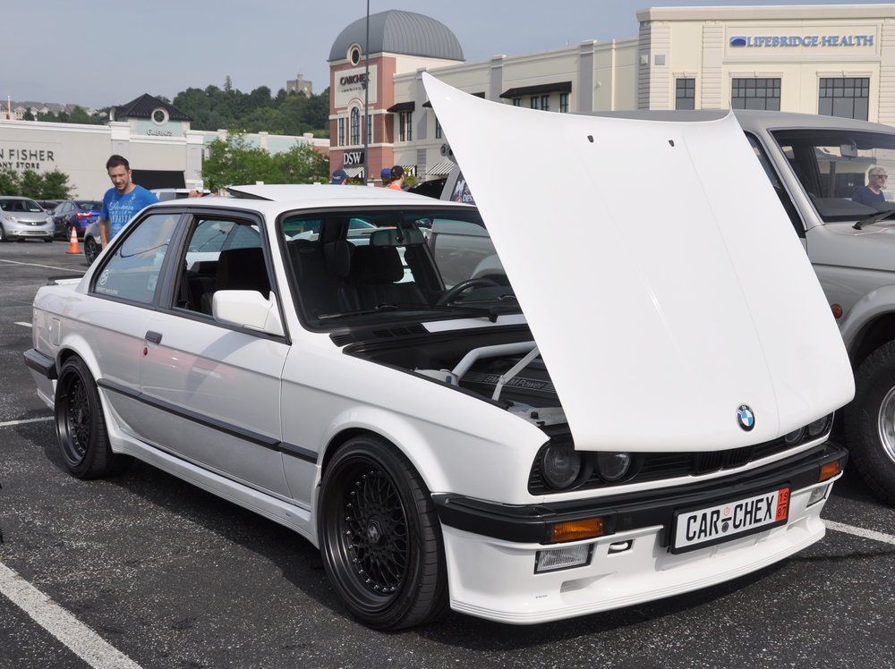 1 BMW 325is CARCHEX.jpg
