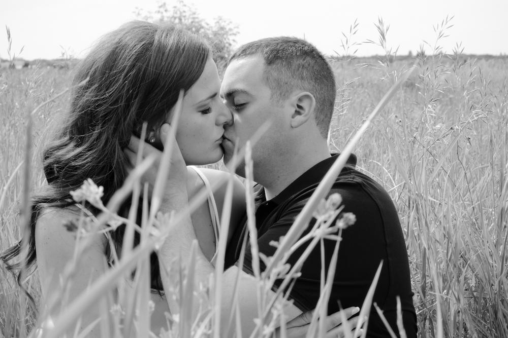 Saskatoon-Wedding-Photographer-10.jpg