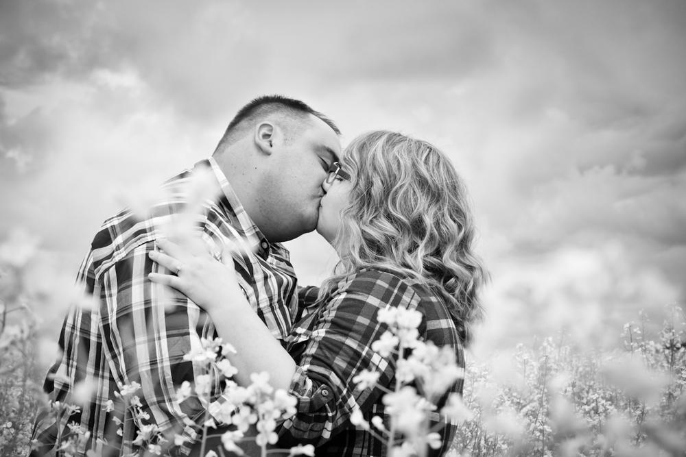 Saskatoon-Wedding-Photographer005.jpg