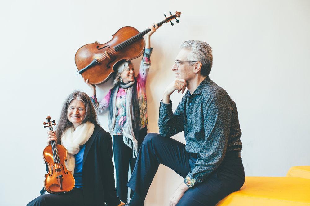 Anna Presler (violin), Tanya Tomkins (cello), Eric Zivian. photo: Vivian Sachs