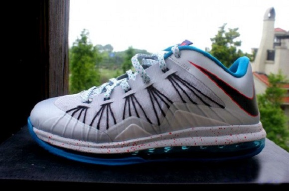 "Lebron-X-Low-""Hornets""-Release-Reminder-4.jpg"