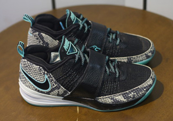 nike-zoom-revis-year-of-the-snake-on-ebay-2.jpg
