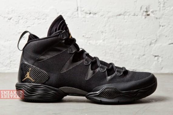 air-jordan-xx8-lite-black-metallic-gold-4-570x379.jpg