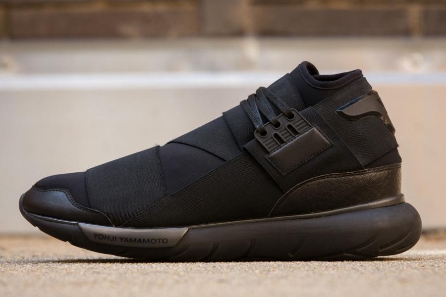 adidas-qasa-hi-black-01.jpg