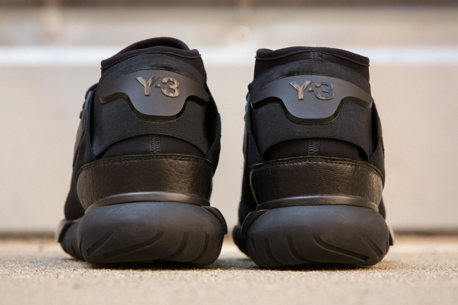 adidas-qasa-hi-black-02.jpg