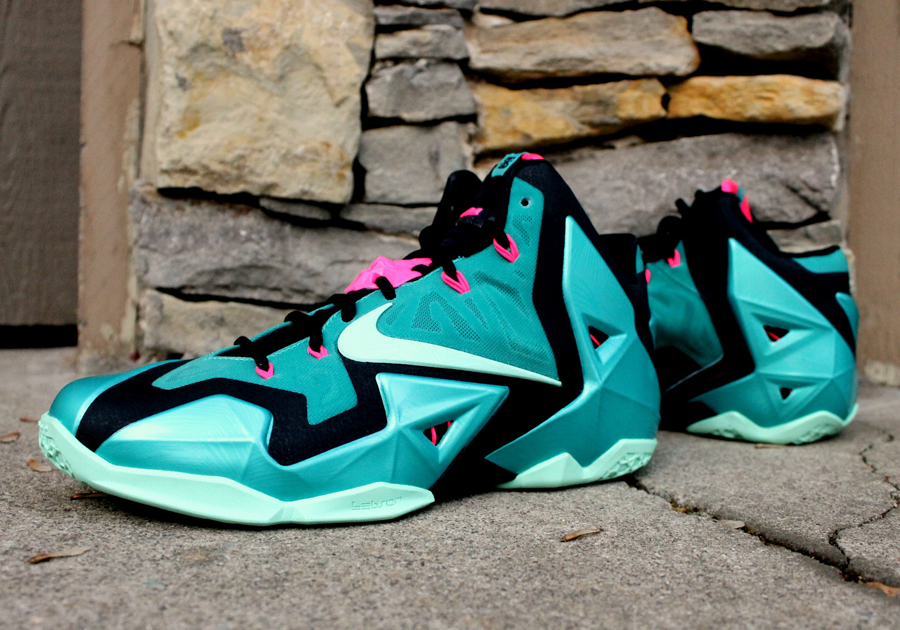 Nike-LeBron-XI-South-Beach-01.jpg