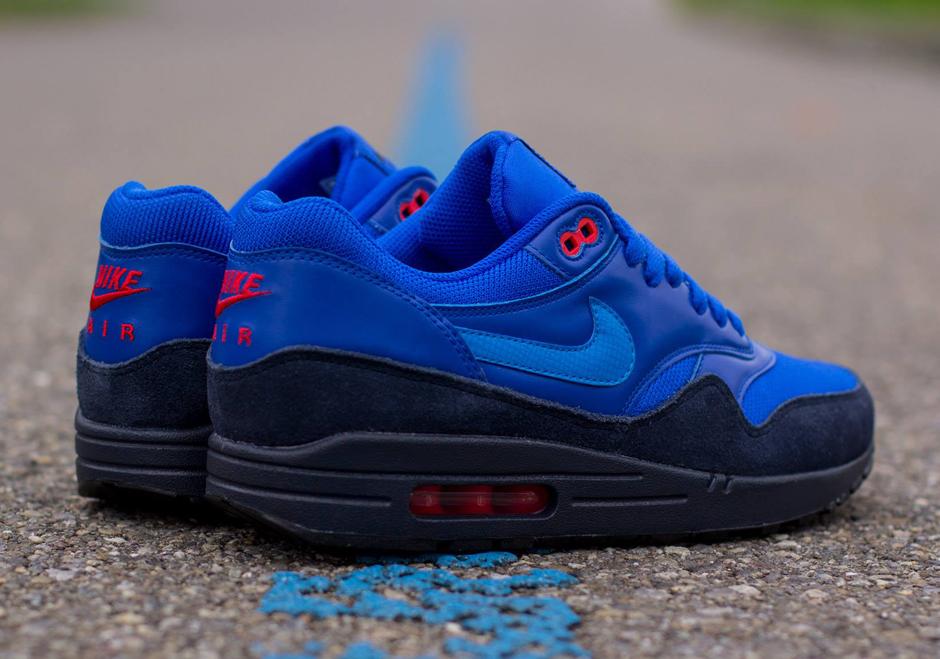 nike-air-max-1-fb-photo-blue-obsidian-red-bone-03.jpg
