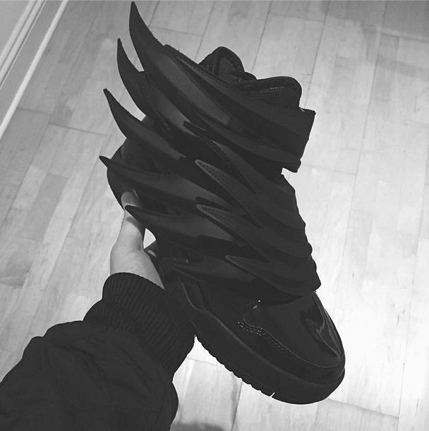 jeremy-scott-adidas-origianls-dark-knight-sample.png