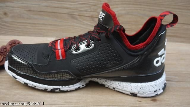 adidas-d-lillard-1-black-red-02.jpg
