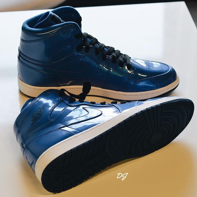 Royal-Blue-Air-Jordan-1-High-Patent-2.jpg