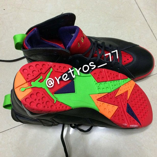 air-jordan-vii-7-marvin-the-martian-03.jpg