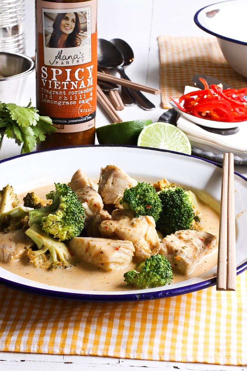 Alana's Pantry Spicy Vietnam Fish Curry_portrait with bottle_resized.jpg