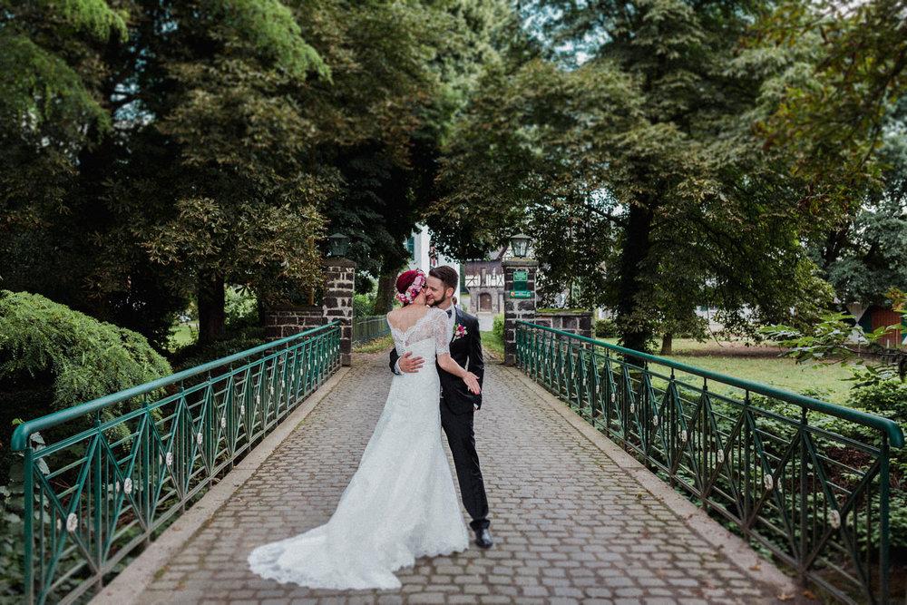 Hochzeit-auf-Gut-Nettehammer-Hochzeitsfotograf-NRW-11.jpg