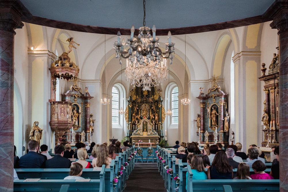 Hochzeit-auf-Gut-Nettehammer-Hochzeitsfotograf-NRW-24.jpg