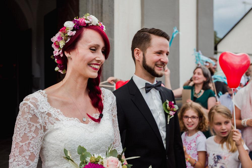 Hochzeit-auf-Gut-Nettehammer-Hochzeitsfotograf-NRW-38.jpg