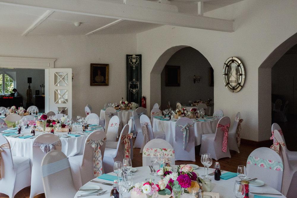 Hochzeit-auf-Gut-Nettehammer-Hochzeitsfotograf-NRW-53.jpg