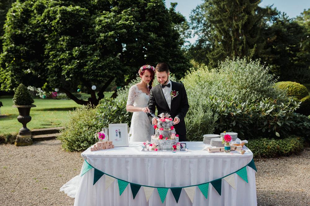 Hochzeit-auf-Gut-Nettehammer-Hochzeitsfotograf-NRW-64.jpg