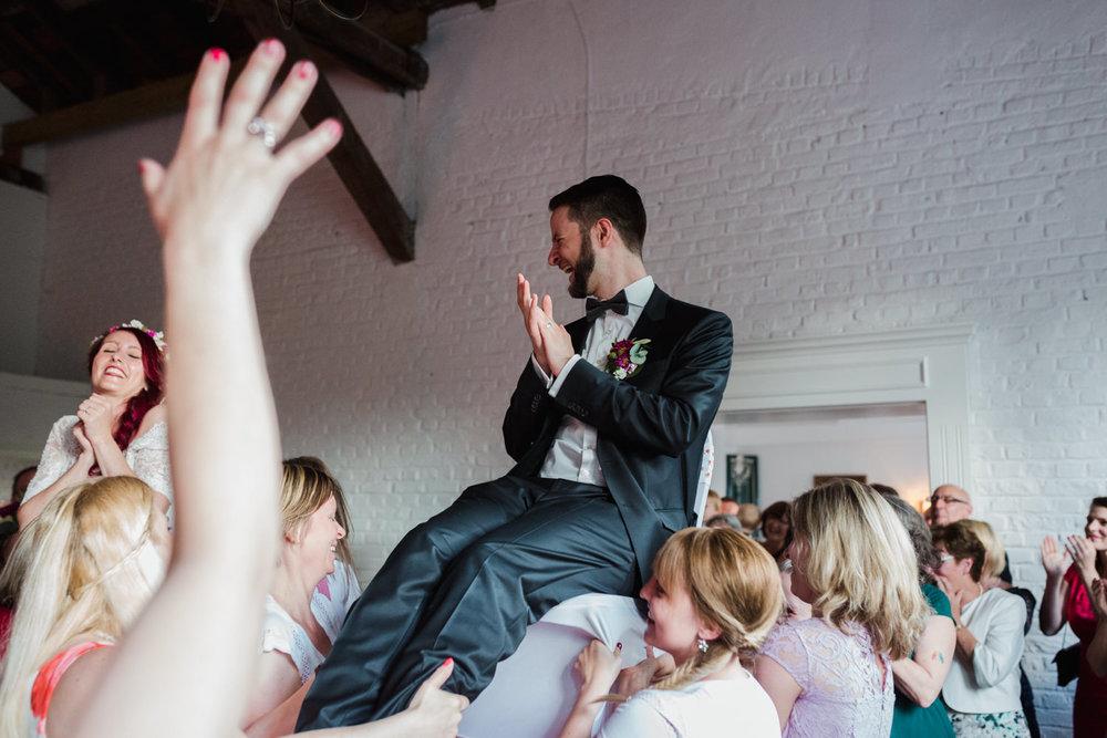 Hochzeit-auf-Gut-Nettehammer-Hochzeitsfotograf-NRW-76.jpg