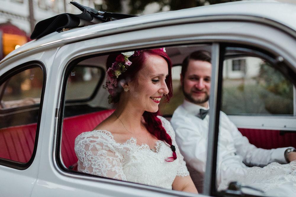 Hochzeit-auf-Gut-Nettehammer-Hochzeitsfotograf-NRW-82.jpg