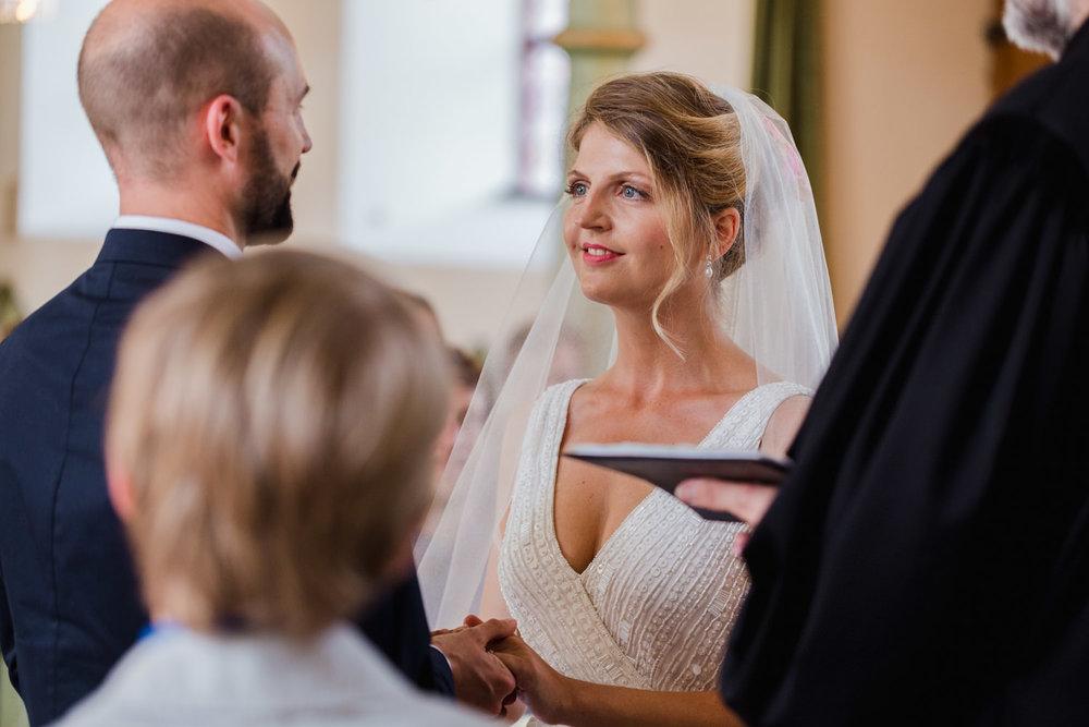 Hochzeit-Hofgut-Hohenstein-Annika-Benni-42.jpg