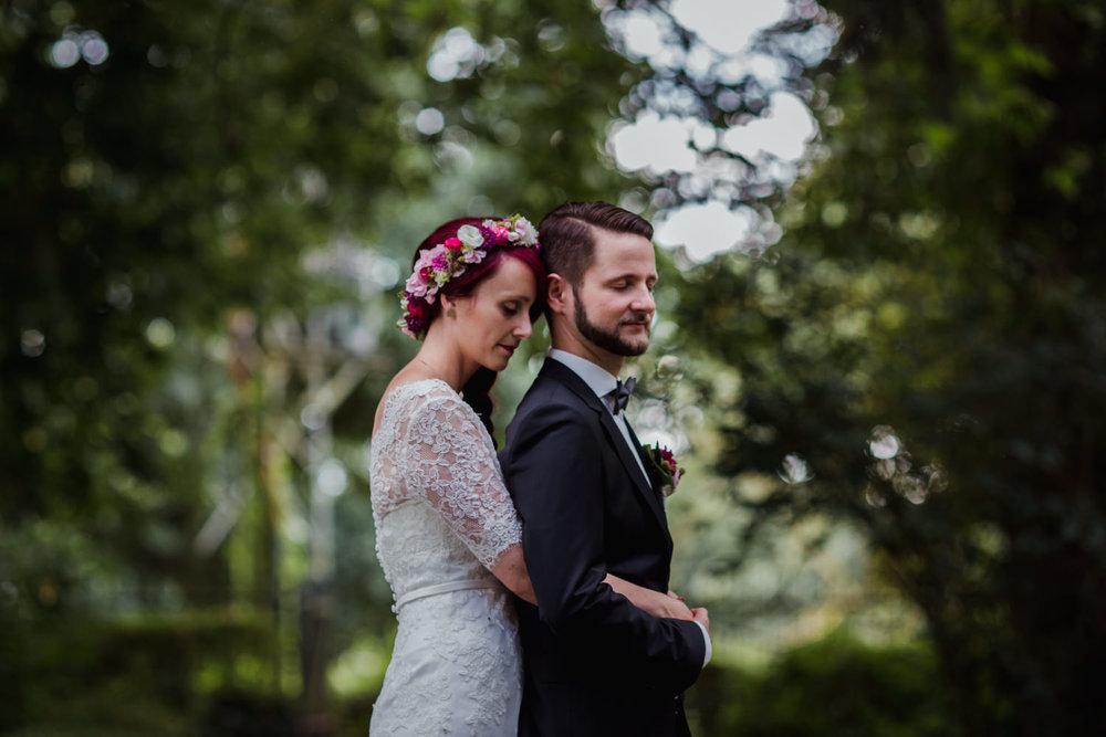 Hochzeit-auf-Gut-Nettehammer-Hochzeitsfotograf-NRW-20.jpg