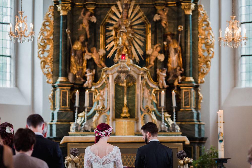 Hochzeit-auf-Gut-Nettehammer-Hochzeitsfotograf-NRW-29.jpg