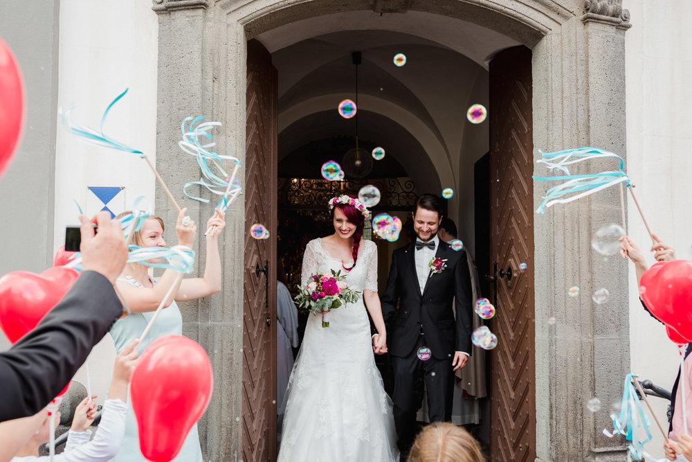 Hochzeit-auf-Gut-Nettehammer-Hochzeitsfotograf-NRW-36.jpg