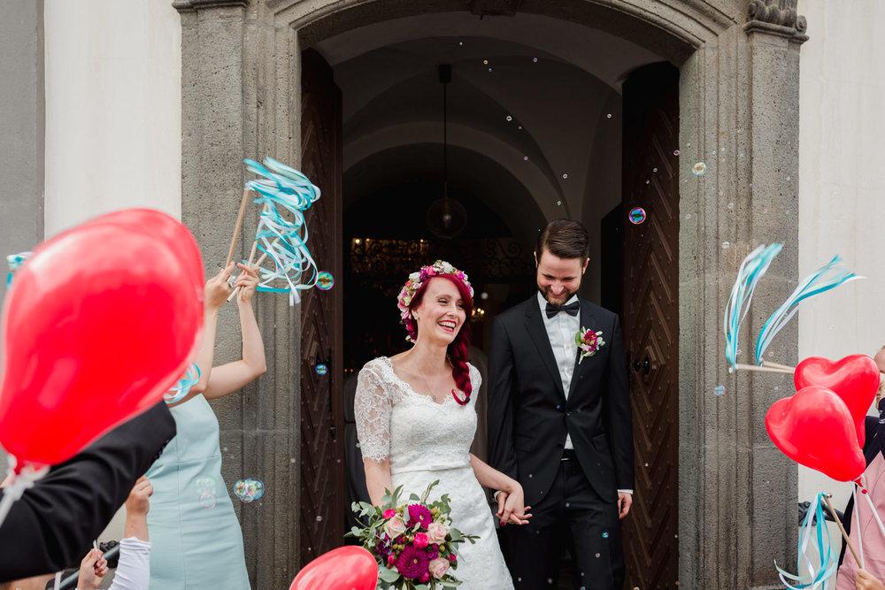 Hochzeit-auf-Gut-Nettehammer-Hochzeitsfotograf-NRW-37.jpg