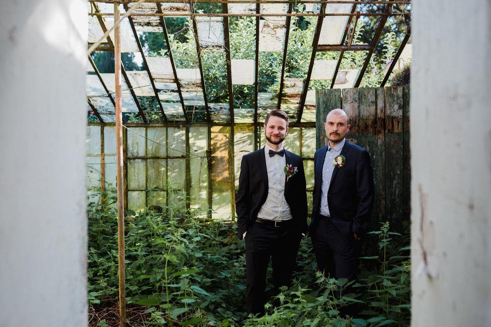 Hochzeit-auf-Gut-Nettehammer-Hochzeitsfotograf-NRW-67.jpg