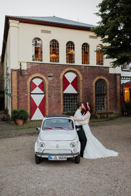Hochzeit-auf-Gut-Nettehammer-Hochzeitsfotograf-NRW-80.jpg