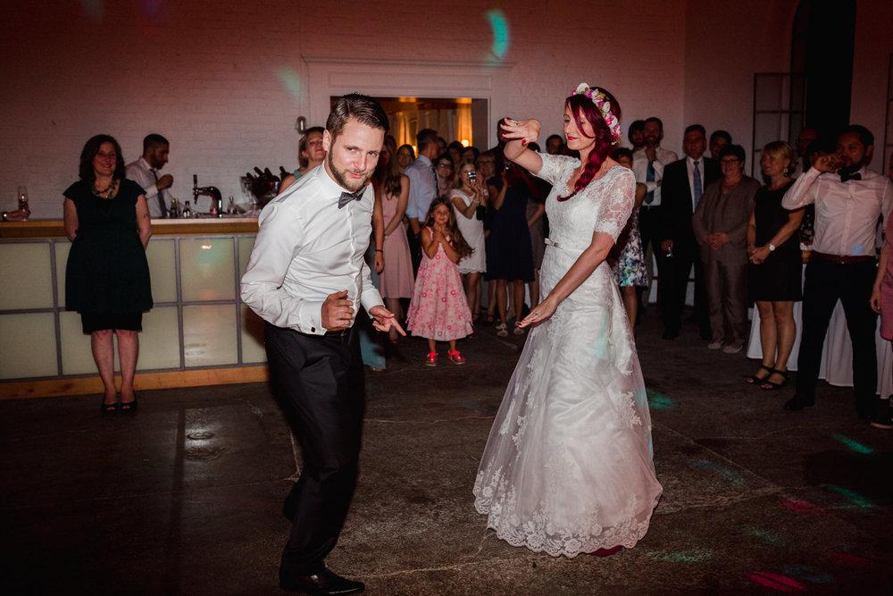 Hochzeit-auf-Gut-Nettehammer-Hochzeitsfotograf-NRW-86.jpg