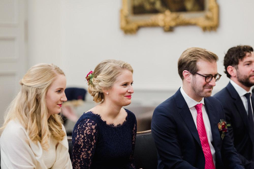 Standesamt-Hochzeit-Bonn-Stephanie-Conradin-116.jpg