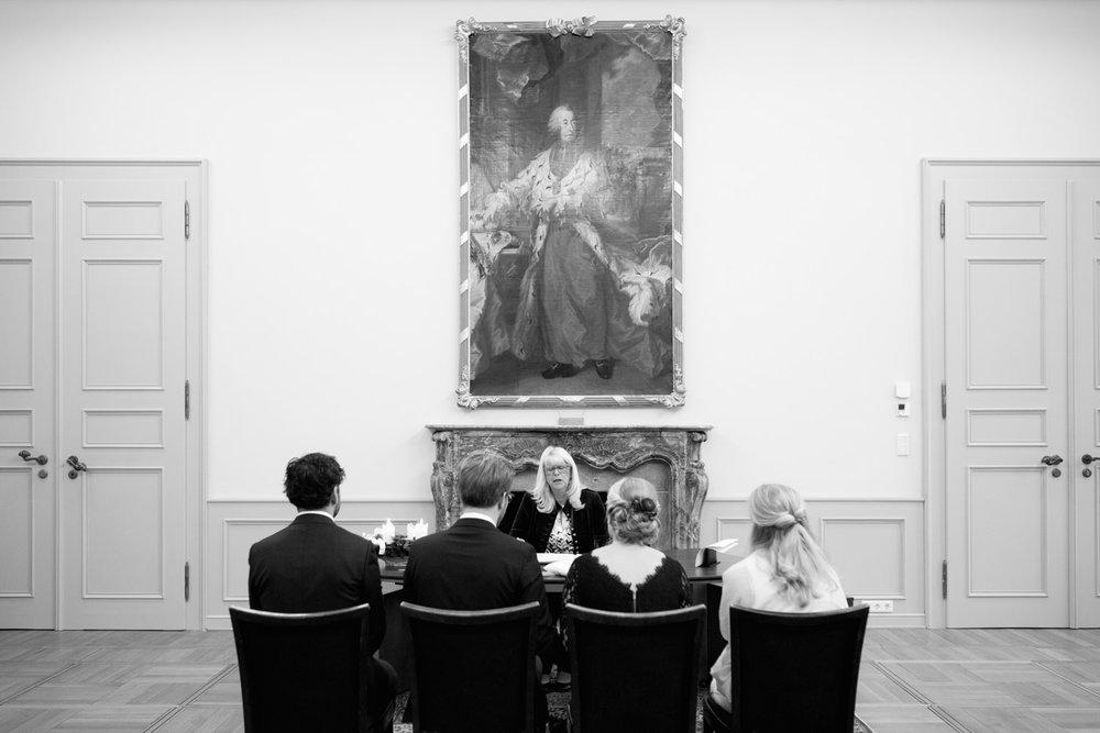 Standesamt-Hochzeit-Bonn-Stephanie-Conradin-125.jpg