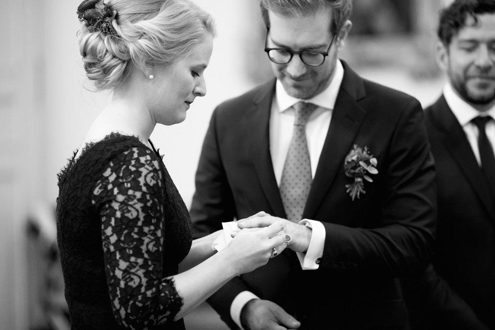 Standesamt-Hochzeit-Bonn-Stephanie-Conradin-134.jpg