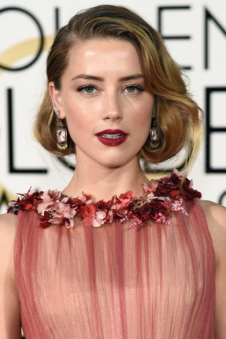 Amber-Heard-beauty-Glamour-10Jan15-Rex_b_960x1440.jpg