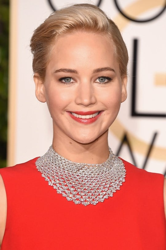 Jennifer-Lawrence-beauty-Glamour-10Jan15-Getty_b_540x810.jpg