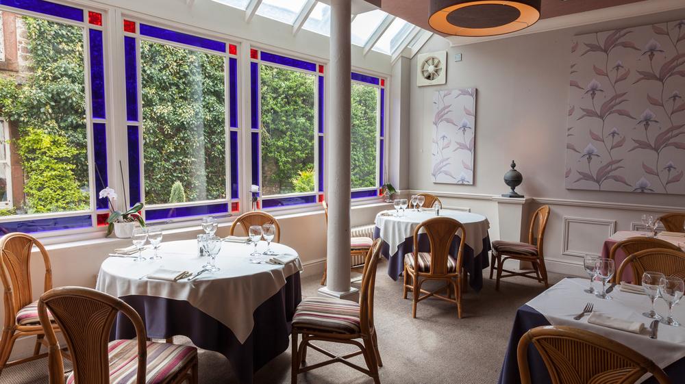The-Tufton-Arms-Restaurant-7.jpg