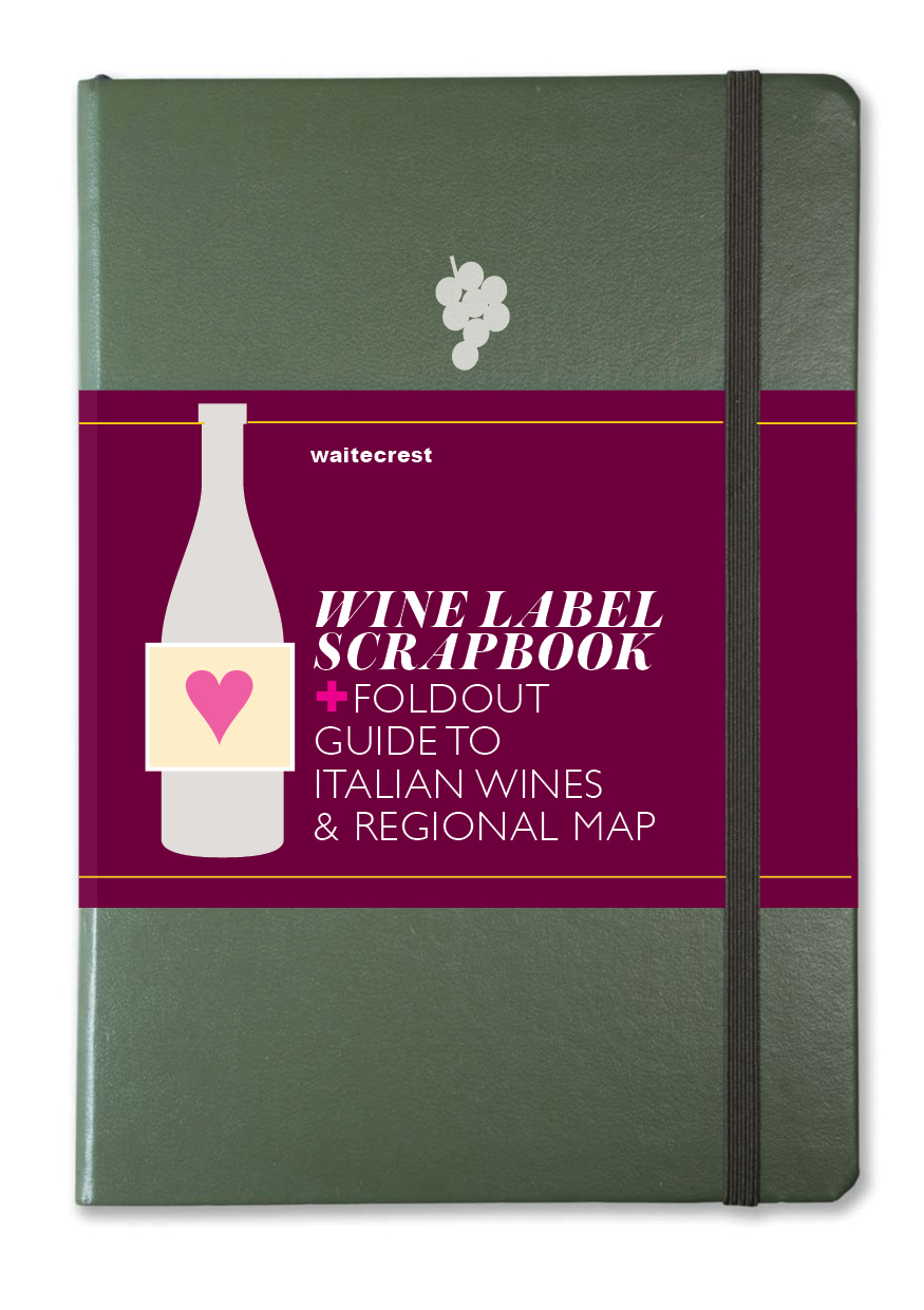 WINE NOTEBOOK+ For collect the labels of your favourites plus a regional guide to the best Italian wines