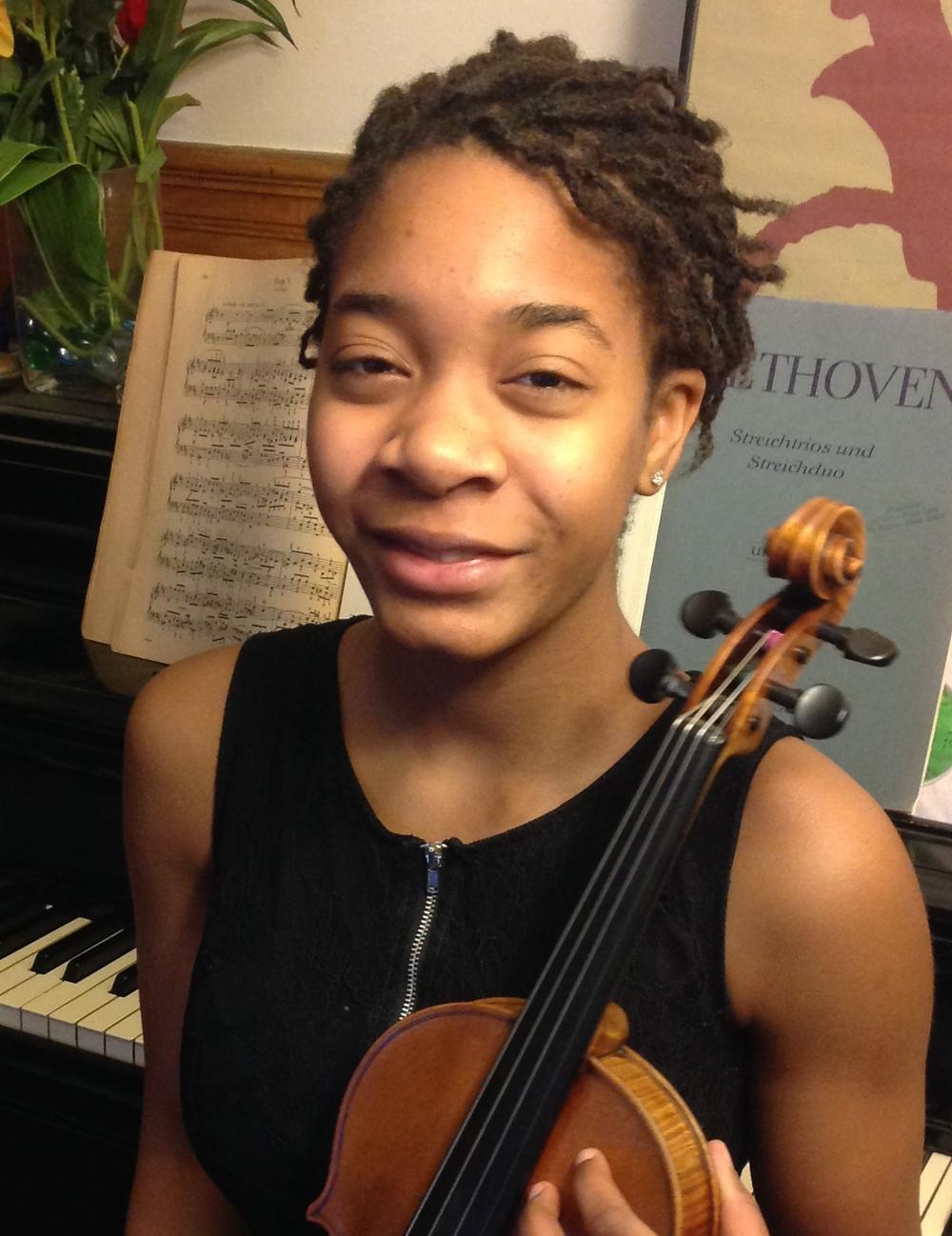 Njioma Grevious, viola