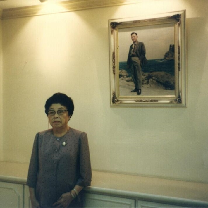 From Yi Yiing Chen:  My ah ma and my grandfather's picture. Another copy of the picture is hung on the wall at my home in Taiwan.